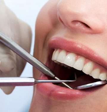 COMMON DENTAL PROBLEMS TO LOOK OUT FOR